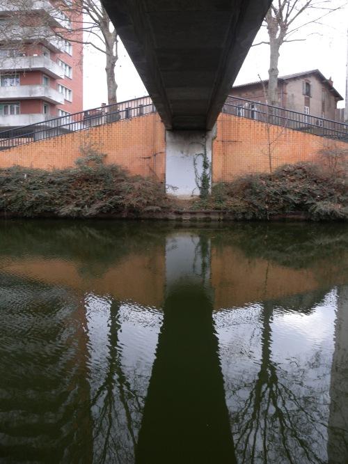 Passerelle sur le canal